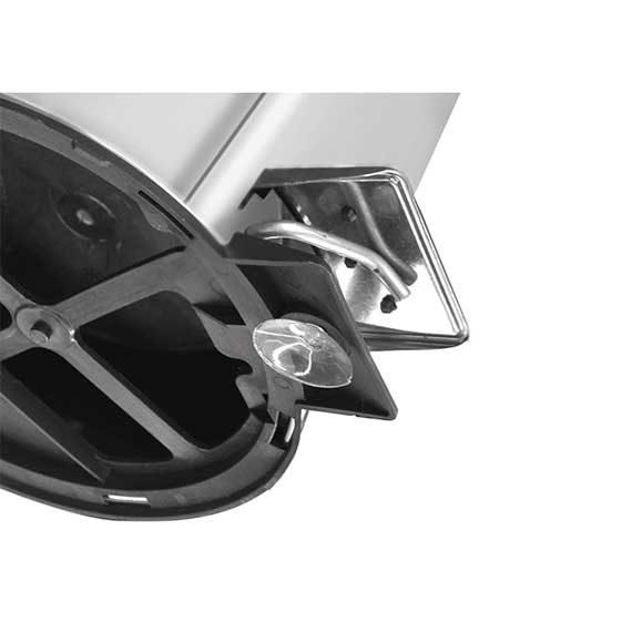 Basurero de acero inoxidable con pedal Tramontina
